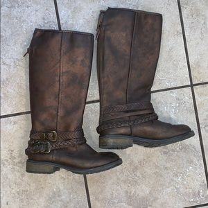 EUC- worn once Girls riding boots